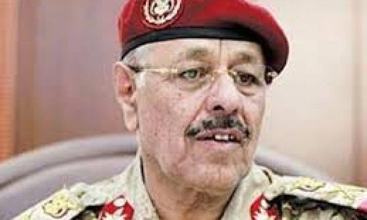 هل أدرك هادي والتحالف أنه آن الأوان لطي صفحة الجنرال العجوز!!