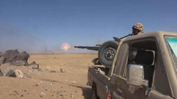 الجيش يكسر هجوم لمليشيا الحوثي ومصرع 22 من عناصرها بجبهات مختلفة من بمأرب